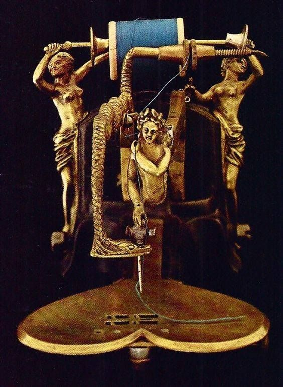 machine à coudre sculptée