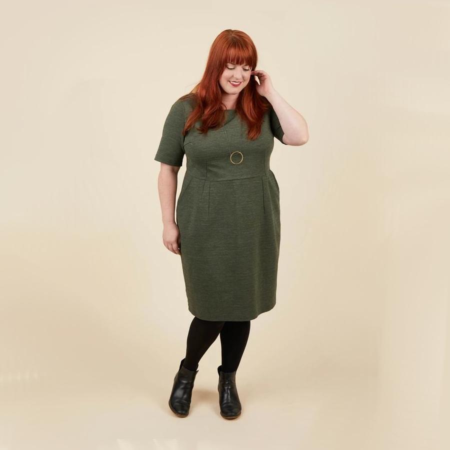 Patron couture grande taille cashmerette robe rivermont en ponte vert