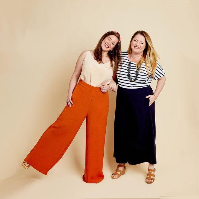 femmes en pantalon Caler de Cashmerette orange et bleur marine