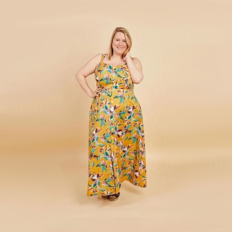 robe Holyoke grande taille imprimé fleuri sur fond jaune