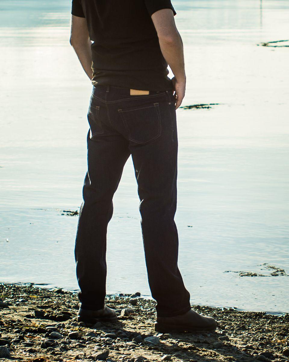 patron jean quadra pour homme de thread theory vu de dos