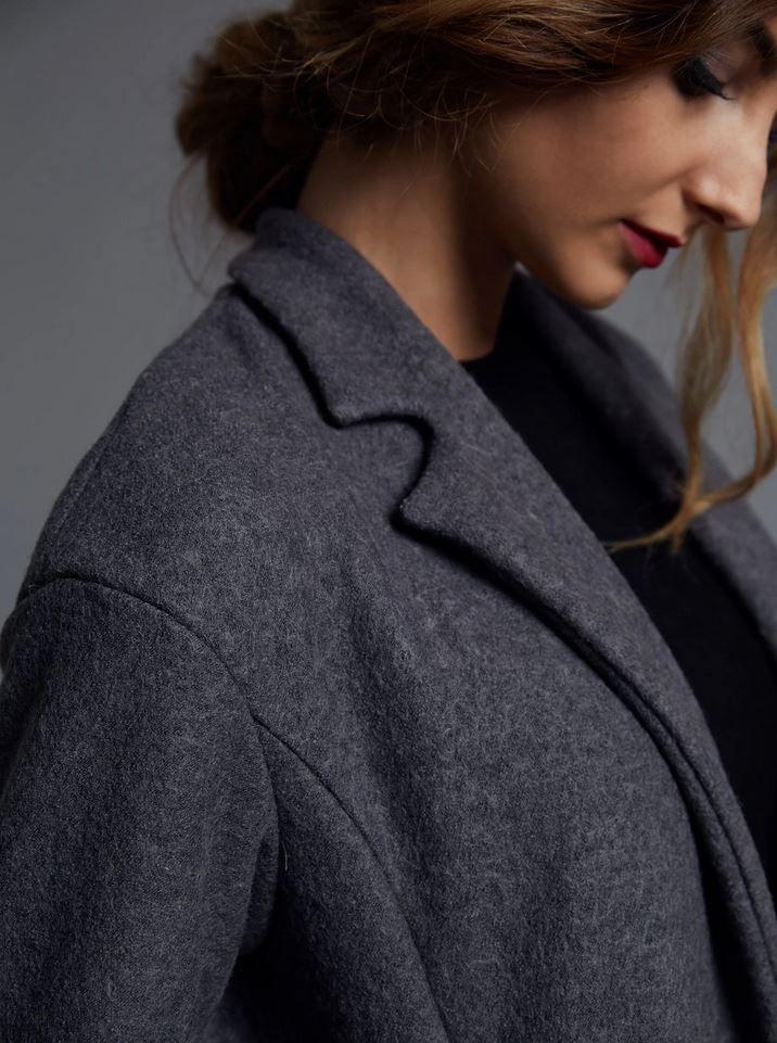 vue du col du patron de couture du manteau the avid seamstress