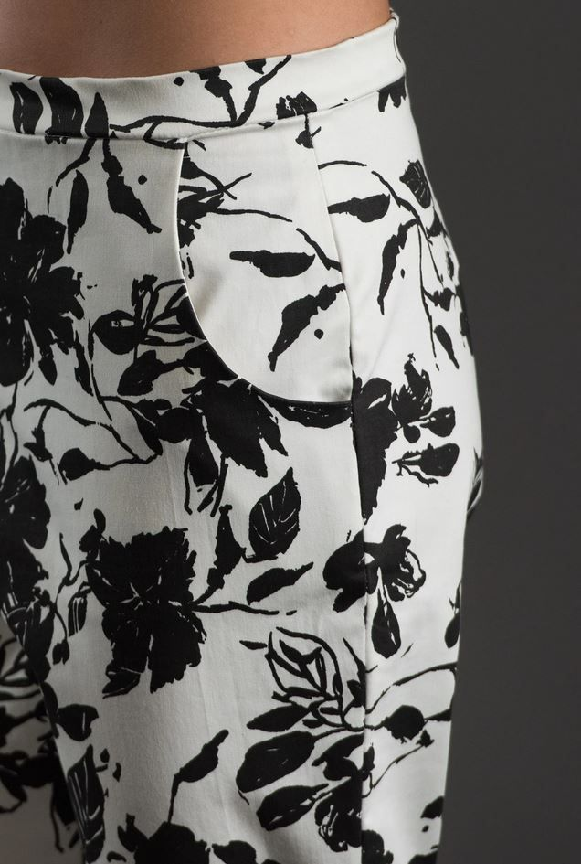 Gros plan sur poche coté du pantalon The Avid Seamstress