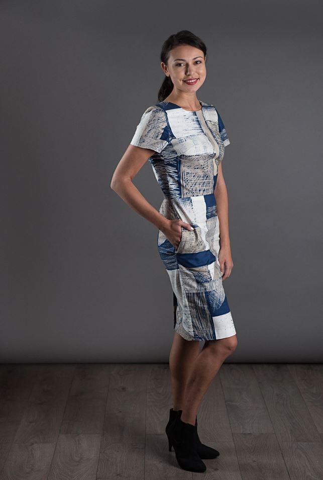 patron de couture the avid seamstress robe ajustée vue de coté
