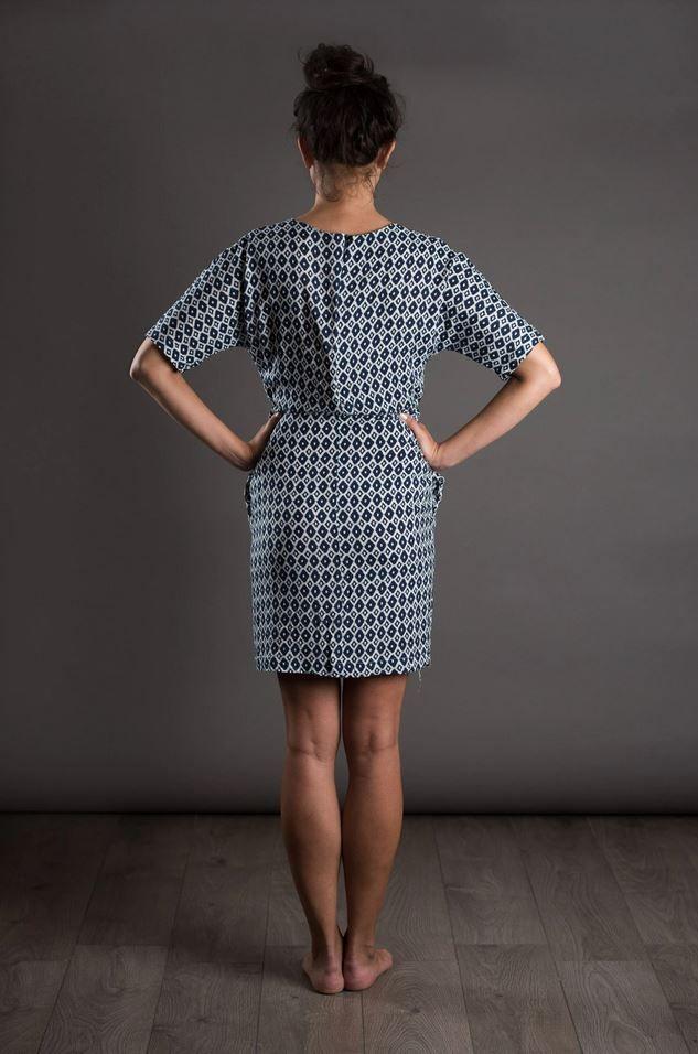 patron de couture the avid seamstress robe droite vue de dos